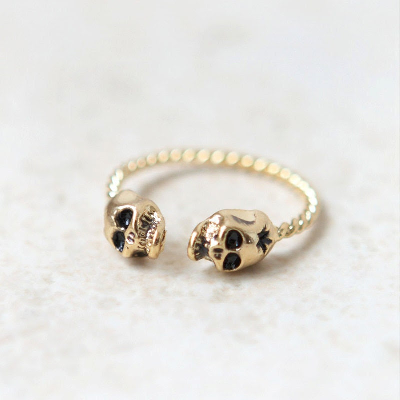 Tiny Skulls ring in gold / adjustable ring