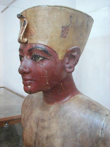 File:Mannequin of Tutankhamun.jpg