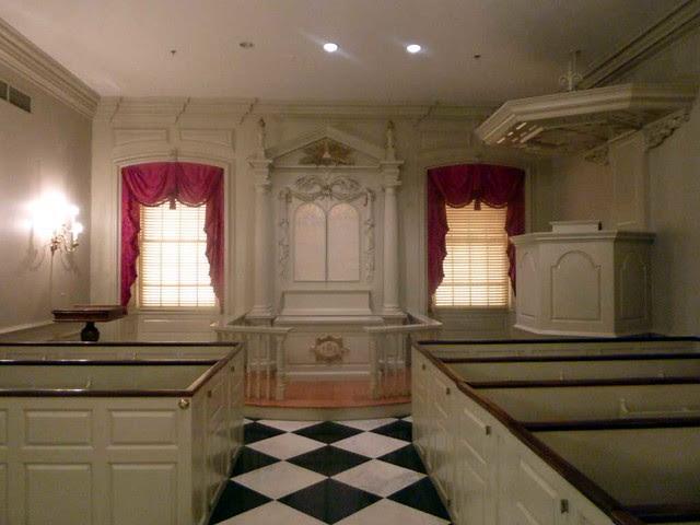 P1070317-2011-01-26-Shutze-Goddard-Chapel-Altar