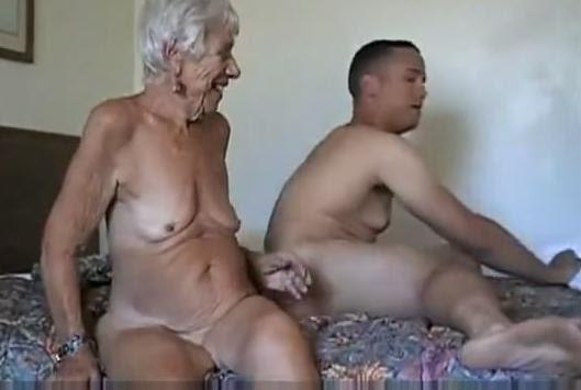 Oma Porno mit tabulosen Grannies