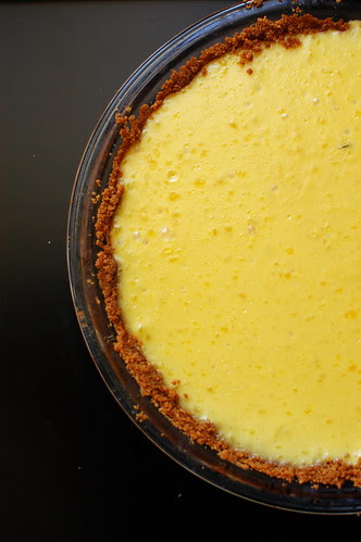 banana pudding pie with a graham cracker crust