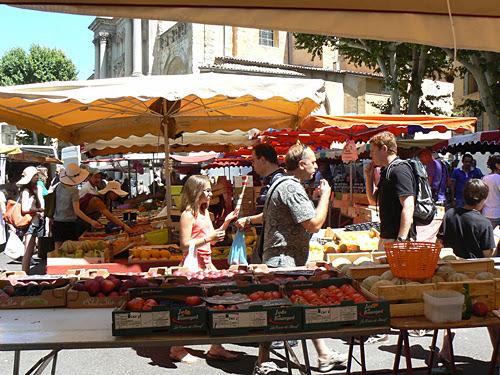 tomates sur le marché.jpg