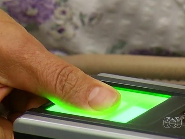 TRE prorroga cadastramento biométrico em cidades de Goiás (Foto: Reprodução/TV Anhanguera)