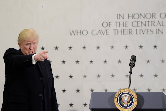 Trump, in CIA visit, attacks media for coverage of his inaugural crowds