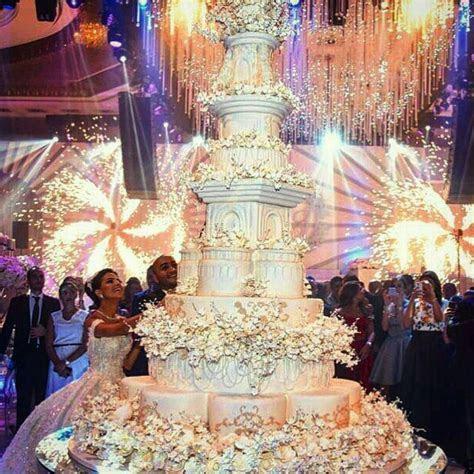 Omg!cake goals #lebaneseweddings #weddinginspo #