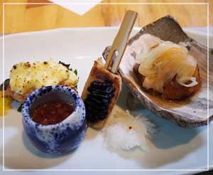 六本木グランドハイアット東京「旬房」にて。焼物皿はちょっと洋風な感じ?