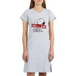 Snoopy Mom Hug Women's Nightshirt