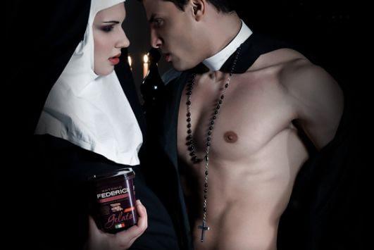 Αποτέλεσμα εικόνας για σεξυ παπας καθολικος