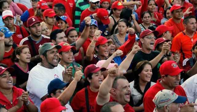 http://www.factormm.com/wp-content/uploads/2016/07/chavistas_psuv.jpg