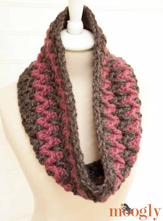 My #Scarfie! The Stormy Weather Cowl: Free #Crochet Pattern