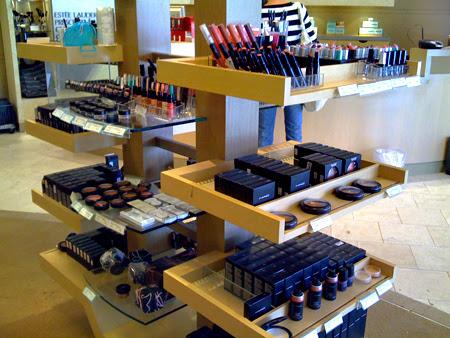cosmetics company store locations in Portugal