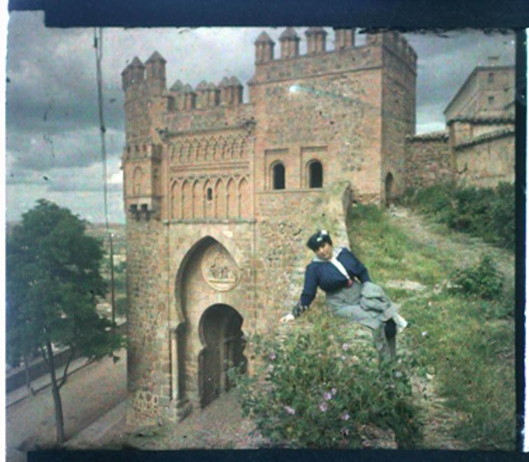 1-09-D. Ribes. Toledo. Puerta del Sol. Estereoscopia en color, placa 6 x 13 (procedimiento autocromo). Versión digitalizada. Mayo 1915. Colección Guillot-Ribes.