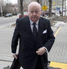 Le sénateur Mike Duffy prendra la barre des témoins au mois de juin, a annoncé la Couronne.