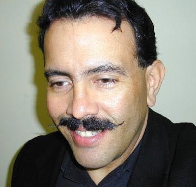 F. Lennox Campello 2004