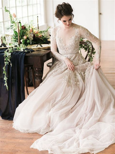 """The """"Hayley"""" gown by Hayley Paige / Tales Of Old Editorial"""