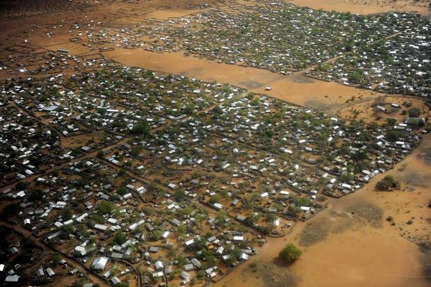 Foto de arquivo de julho de 2011 mostra o campo de refugiados Dadaab, o maior do mundo, no leste do Quênia (Foto: Tony Karumba/AFP/Arquivo)