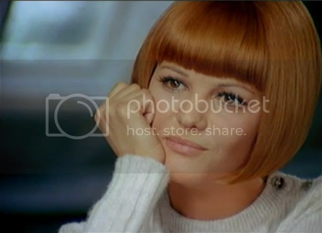 photo claudia_cardinale_tente_rouge-1.jpg