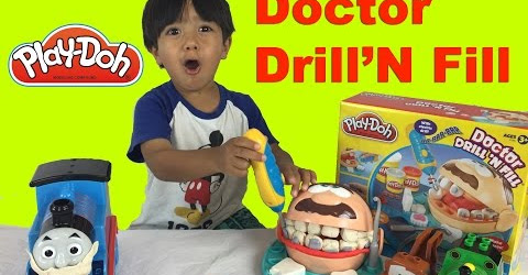 Ryan plays with Play Doh Playset !