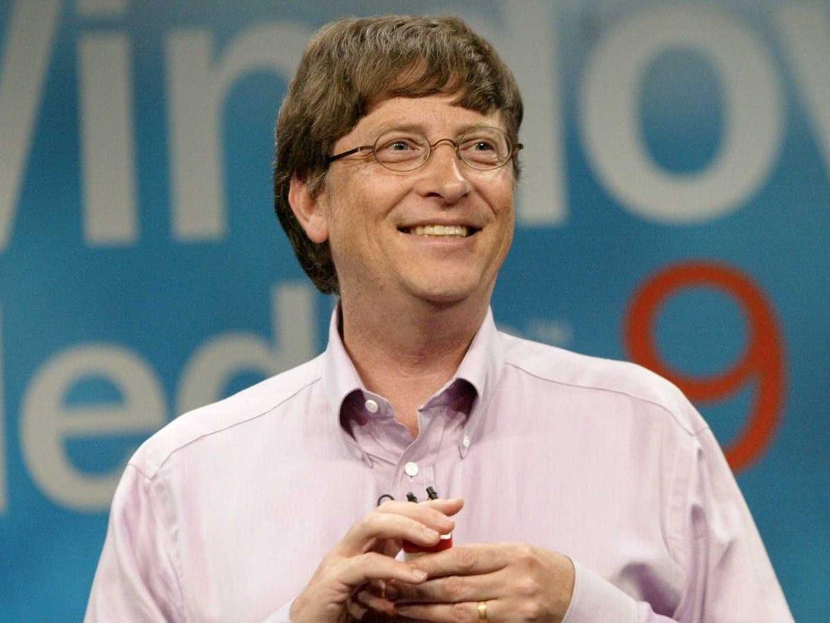 Năm 1995, Gates trở thành người giàu nhất thế giới, với tài sản ước tính của $ 12900000000. Anh ấy đã tại hoặc gần đầu danh sách của giàu nhất thế giới từ bao giờ.