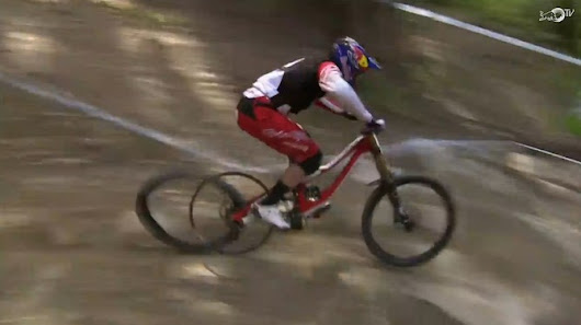 Gwin is on fire with no tire: Aaron Gwins Husarenritt auf der Felge [Video] - MTB-News.de