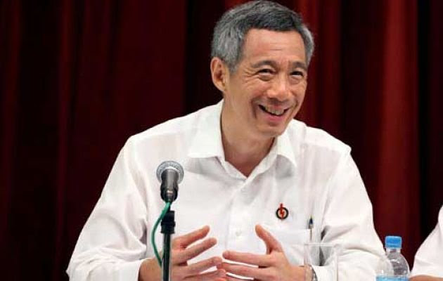 Prime minister Lee Hsien Loong lends his support to PAP candidate Desmond Choo. (Yahoo! file photo)