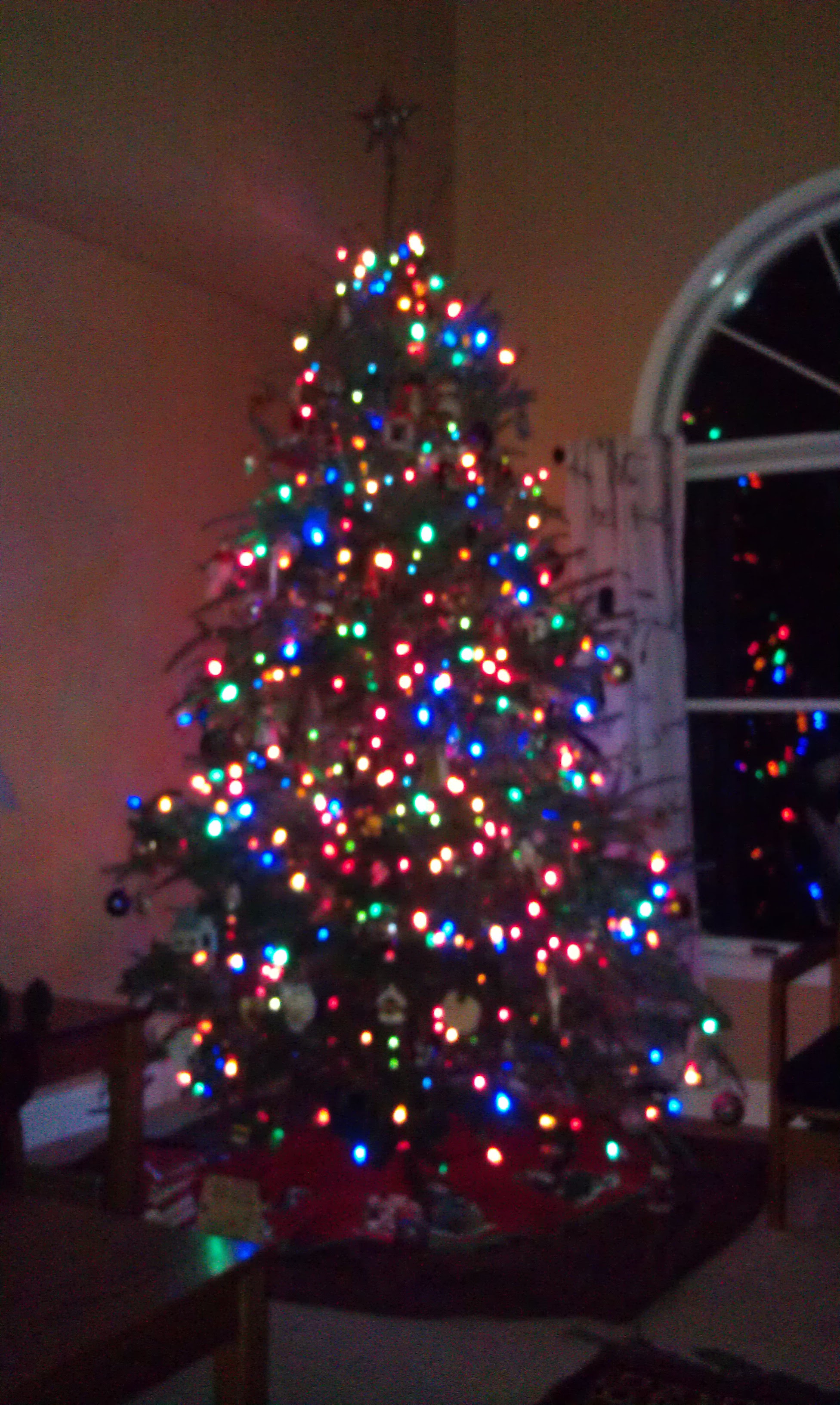 Christmas Tree Decorations With Colored Lights | Decorating Ideas
