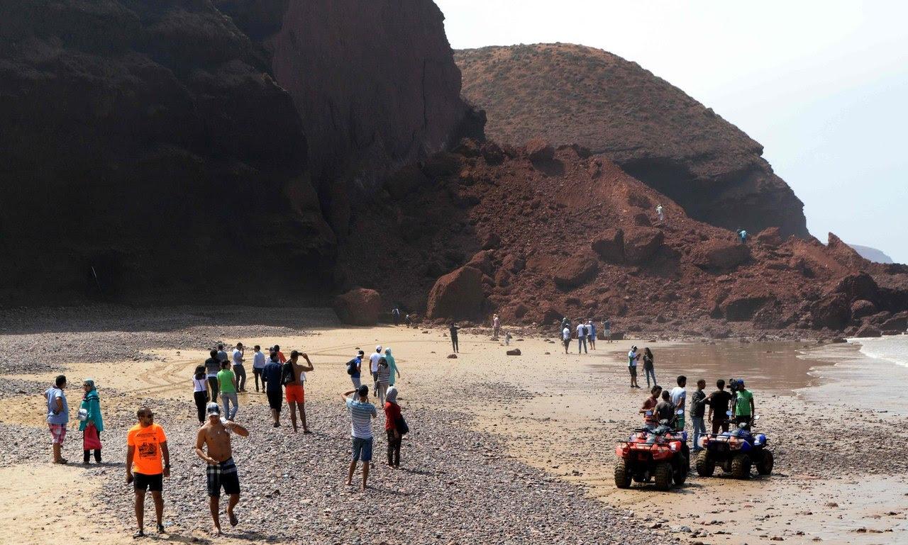 arches Legzira, arcs Legzira effondrement, arche Legzira effondrement, un des deux arcs à Legzira effondré, Maroc: L'juin des Deux arches rocheuses de Legzira effondrée, maroc Legzira arc effondrement