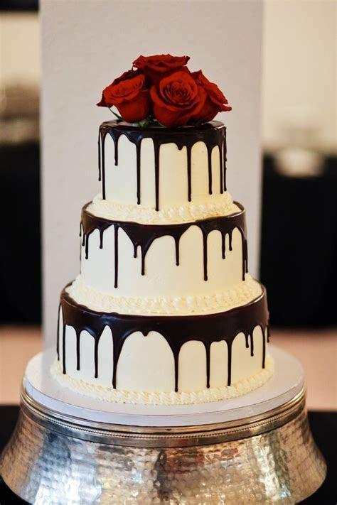 Best 25  Gothic wedding cake ideas on Pinterest   Goth