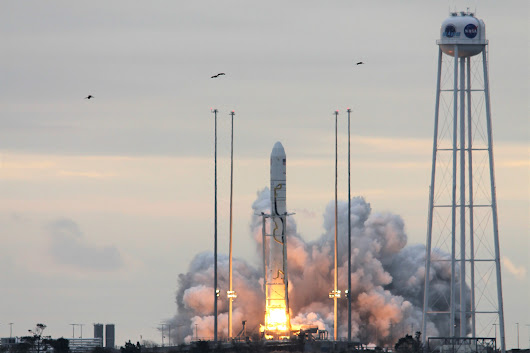 Antares Rocket Blasts Off from Virginia Bound for Space Station with Cygnus Cargo Ship and Tons of Vital Science Supplies - Universe Today