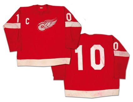 Red Wings 68-69 jersey
