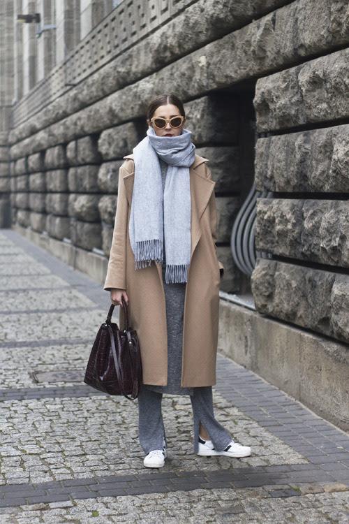 Source: http://www.oliviakijo.com/2014/12/wool-wonders.html #longcoat #wool #grey #superstars