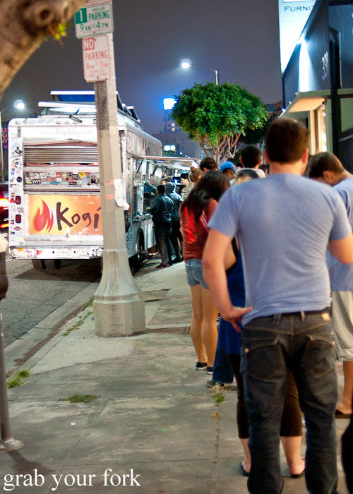 queue for the kogi bbq truck in la los angeles roy choi food truck