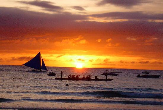 http://rheykz.files.wordpress.com/2009/03/boracay-sunset-by-racho.jpg