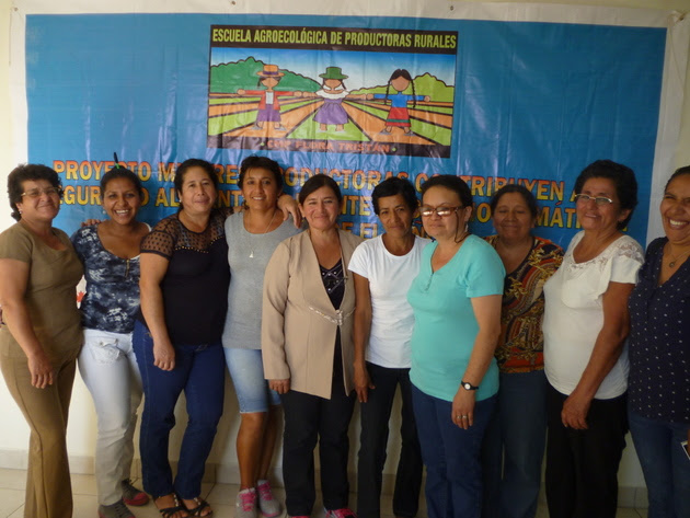 Rosa Rojas (2nd-R), stands with other women farmers participating in the Agroecological School of the Flora Tristán Peruvian Women's Centre, where they were trained in organic production techniques that they have been applying in their gardens, in the rural area of the department of Piura, in Peru's northern coastal region. Credit: Mariela Jara / IPS