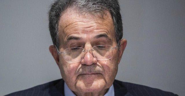 """Romano Prodi: """"D'Alema mente. Siamo in una gabbia di matti, e la chiave è persa"""""""
