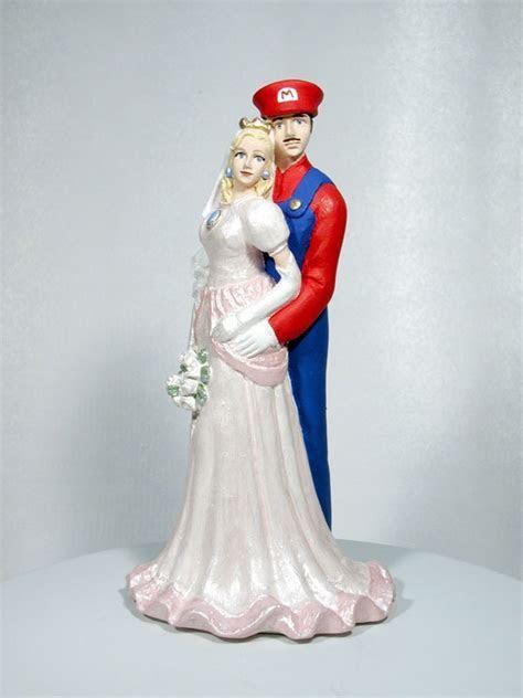 Mario and Princess Peach Wedding Cake Top