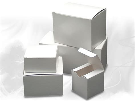 Wholesale Gift Boxes   White Gloss Paper Gift Boxes