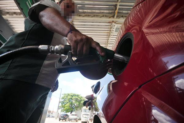 Esta seria a primeira alta desde novembro de 2013, quando a gasolina subiu 4% e o diesel 8%
