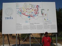 Di Pintu Masuk Runtuhan Kota Troy, Canakkale, Turkey