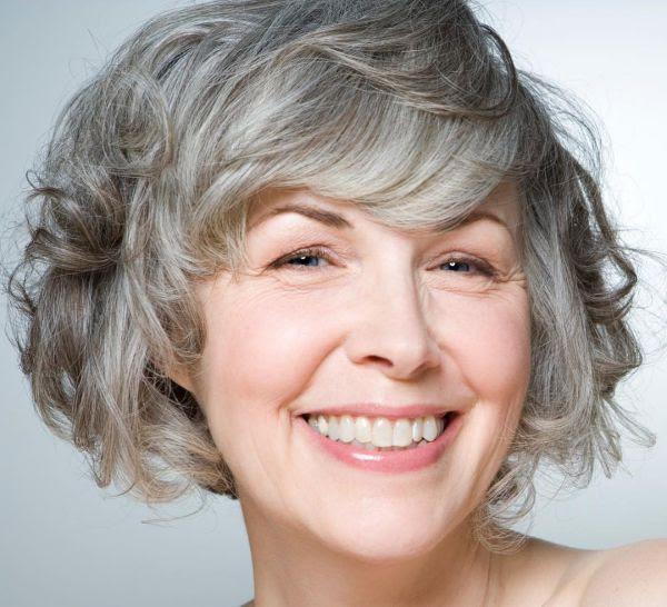 Graue Haare Mit Dunklen Strähnen Allefrisurende