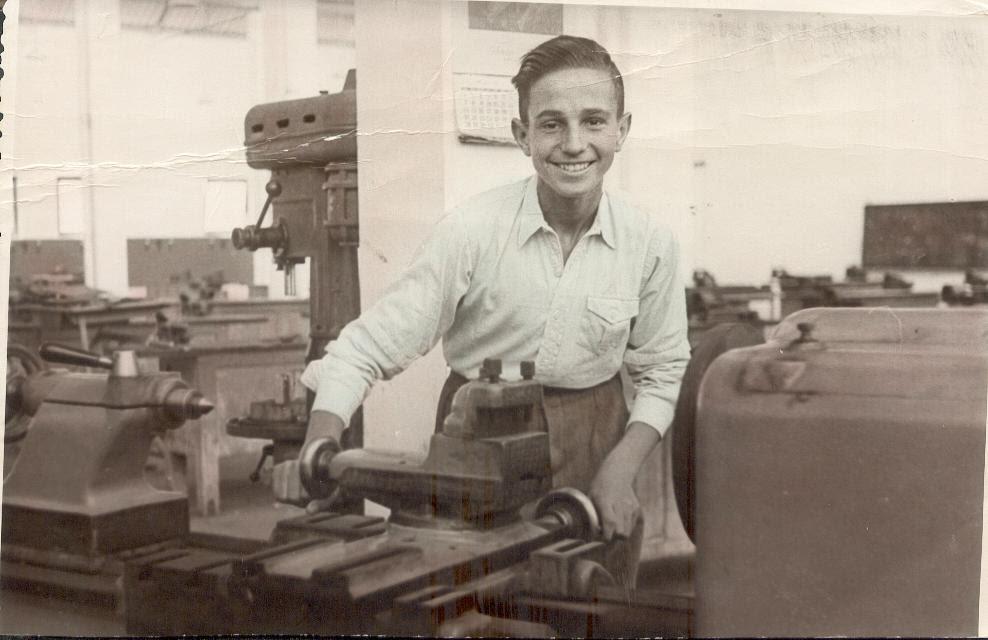 Antonio Guardia en la escuela de formación profesional a comienzos de los años 50