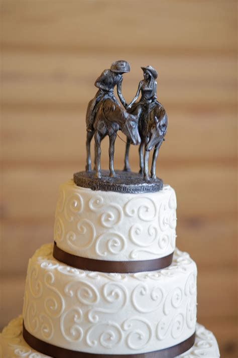 1000  ideas about Cowboy Wedding Cakes on Pinterest