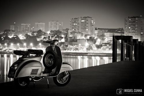 Vespa @ Oporto by Miguel Cunha