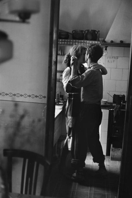 Elliott Erwitt   Photographer Robert and Mary Frank, Valencia, Spain 1952