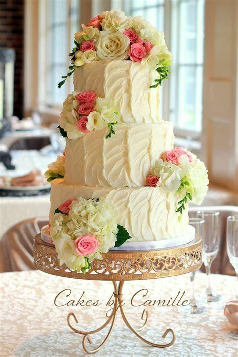 Fresh flowers wedding cake, Vintage wedding cake