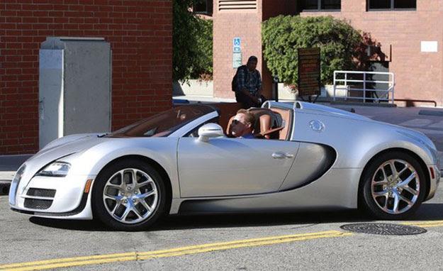 Arnold Schwarzenegger Recognized Driving 2015 Bugatti ...