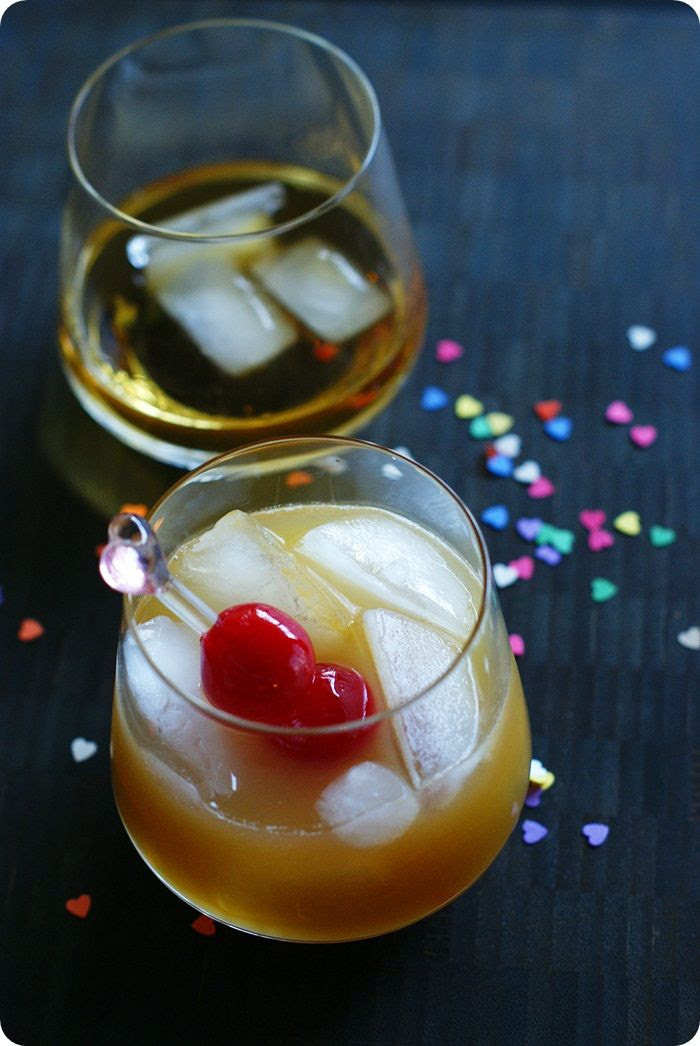 honey of a whisky sour ... perfect cocktail for NYE, or ANY eve! ;)
