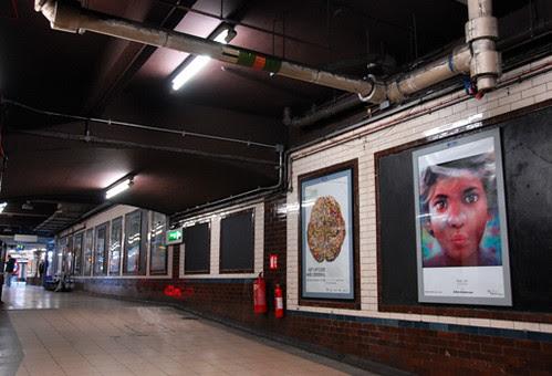 Art Below poster at Baker Street Tube