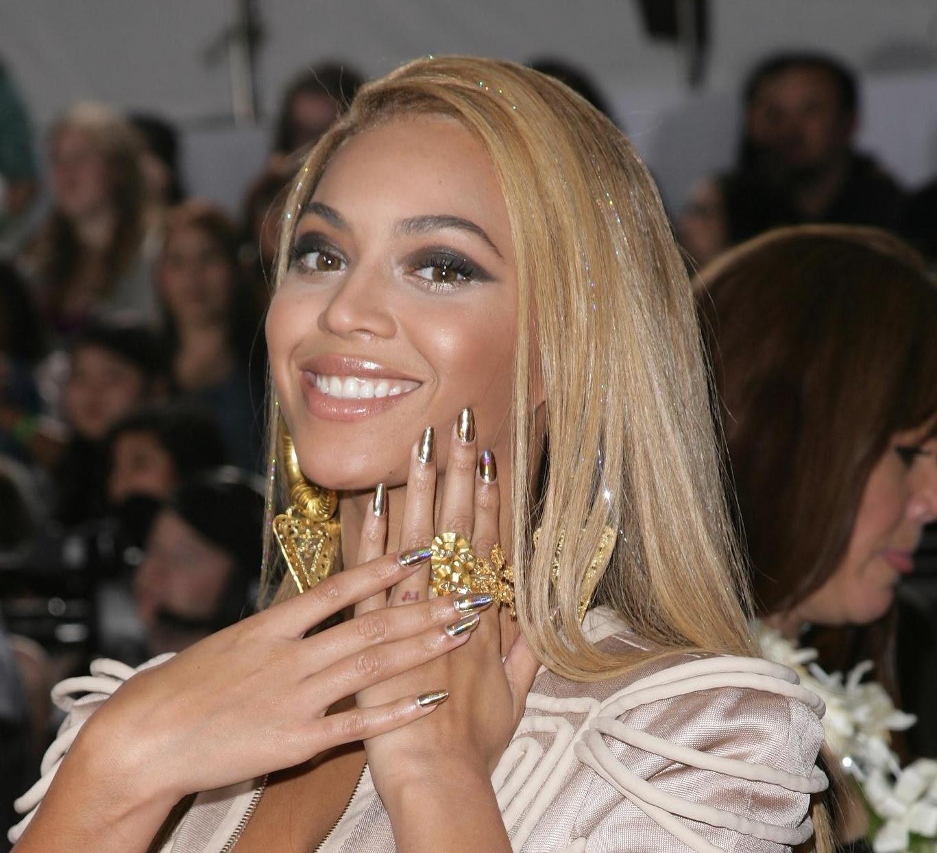 Rihanna Nails Creative Nail Design