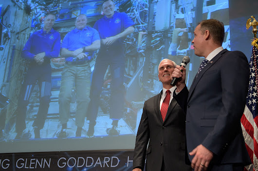 New NASA chief Jim Bridenstine sworn in, gets congratulations from space | collectSPACE